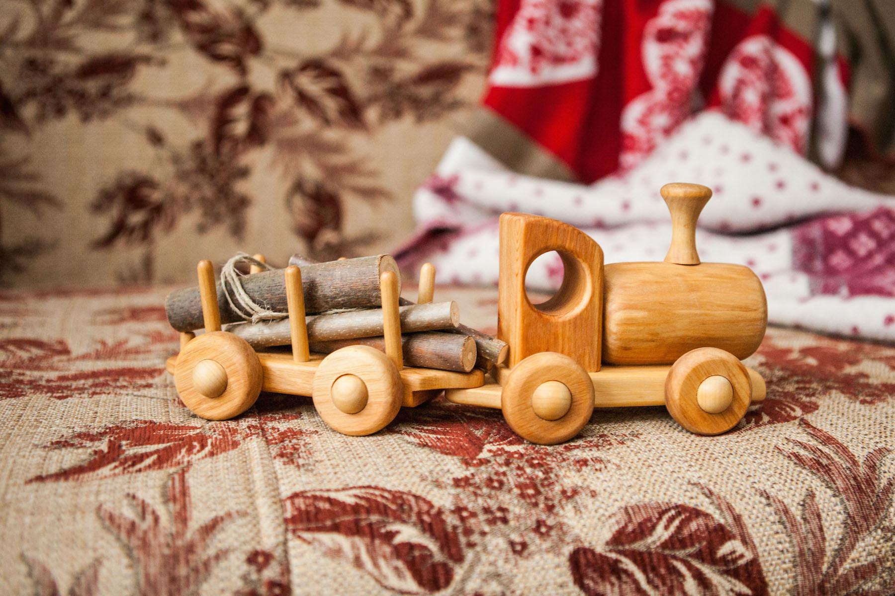 Как сделать паровоз из дерева своими руками